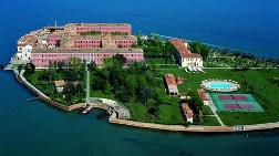 Venedik'te Ada Aldı, ama Bürokrasiden Şikayetçi