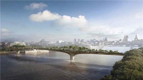 Londra'ya Çiçeklerle Kaplı Yaya Köprüsü!