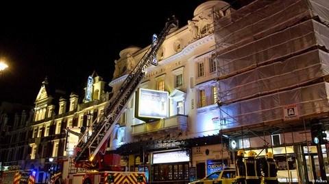 Tarihi Tiyatronun Tavanı Su Baskınından mı Çöktü?