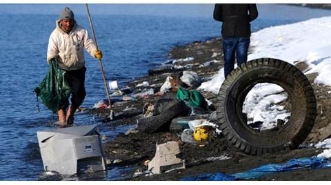 Van Gölü'ne Çöp Akıyor!