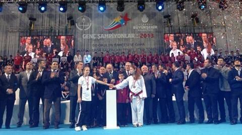 İstanbul'daki Okullara 60 Yeni Spor Salonu