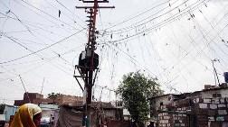 Pakistan da Elektriği Özelleştiriyor