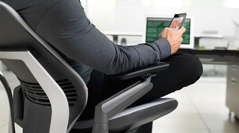 Teknolojinin Rahat Kullanımına Cevap Veren İlk Koltuk: Steelcase Gesture