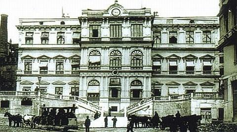 Tarihi Belediye Binasında Hatalı Restorasyon mu Yapıldı?