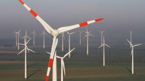 AB 2020'ye Kadar Enerjiye 1 Trilyon Avro Yatırım Öngörüyor
