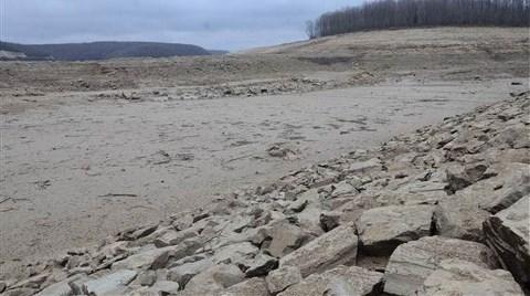 İstanbul'a Su Sağlayan Pabuçdere Barajı Kurudu!