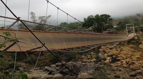 Asma Köprü Böyle Çöktü: 9 Ölü 40 Yaralı