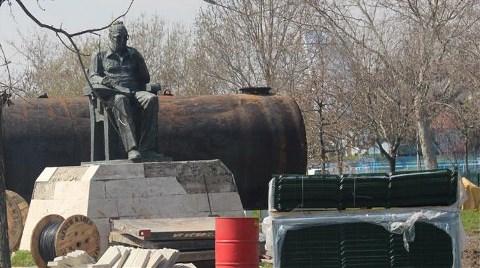 Yaşar Kemal Heykeli, Moloz Yığınları Arasında Kaldı