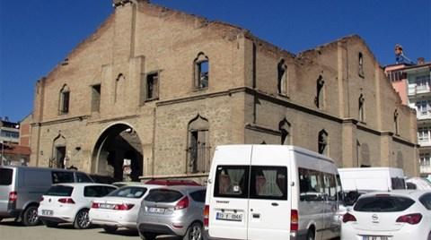 Tarihi Kilise Otoparka Dönüştü