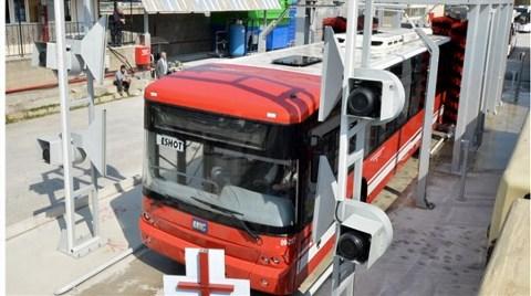 İzmir'de Otobüs Temizliğinde Yüzde 75 Su Tasarrufu!