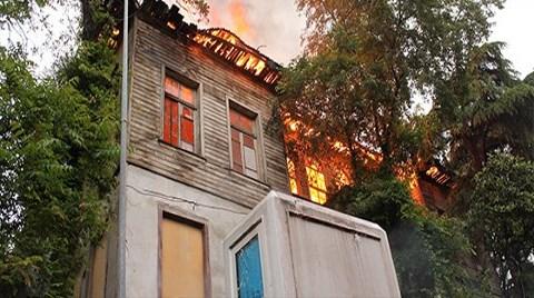 Tarihi Konak Yangınında Kundaklama Şüphesi