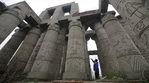 Mısır Tarlasında Eyfel Kulesi!