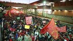 10 Bin Kişi Yolları Kesti, Halk Ayakta!