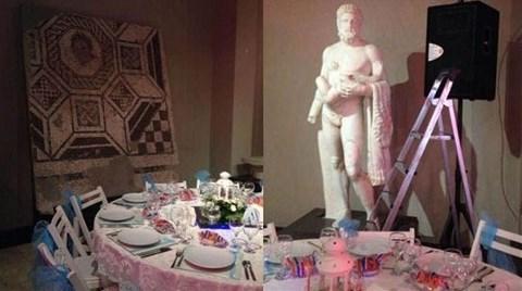 """""""Müzede Sünnet Düğünü""""ne Ortaylı'dan Sert Tepki!"""