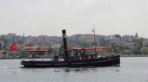 Haliç'te 'Kömürlü' Bir Gemi!
