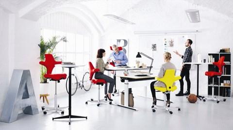 """""""Sit & Stand"""": Yüksekliği Ayarlanabilir Çalışma Masaları"""