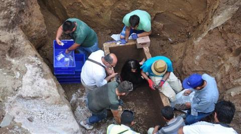 Kanalizasyon Kazısında Roma Mezarı Bulundu