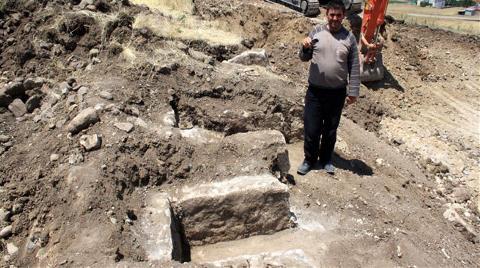 Taş Ocağından Kaya Mezarları Çıktı