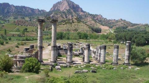 Artemis Yeniden Kazılıyor