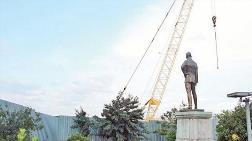 İlk Atatürk Anıtı Kaderine Terk Edildi!