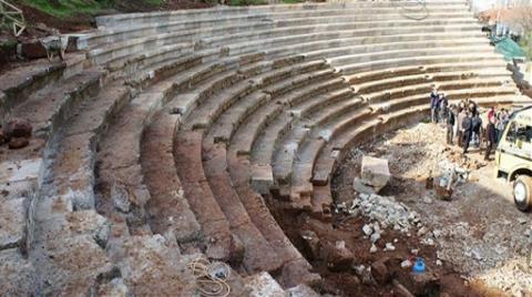 Tarihe Beton Döktüler