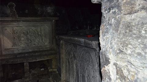 İstanbul'un Bizans Kral Mezarı Çöplük Oldu!