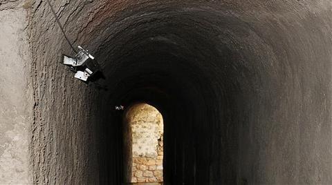 Tarihi Surlara Beton Sıvadılar!