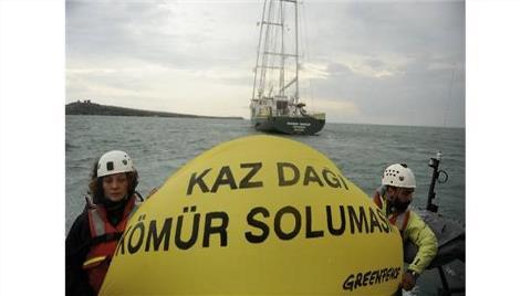 Greenpeace'in Gemisi Kömüre Karşı Çanakkale'de