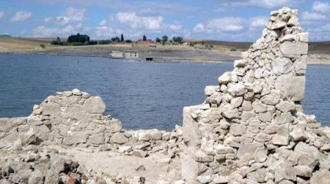 Barajlar Kurudu Yerleşim Alanları Ortaya Çıktı