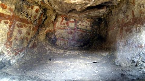 5 Bin Yıllık Duvar Resimleri Bulundu