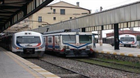 Banliyo Treni Seferleri 2015'e Kaldı