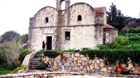 Tarihi Kiliseye Komşudan Destek Sözü