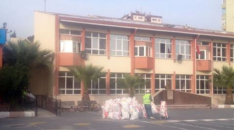 Okulda Tavan Sıvası Çöktü