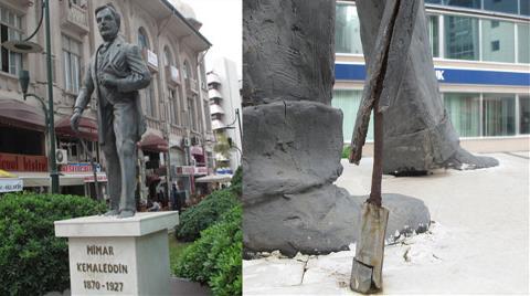 Mimar Kemaleddin Heykeli Bakımsızlıktan Dökülüyor