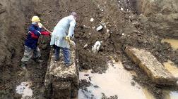 Kanal Açarken Roma Dönemine Ait Lahit Buldular