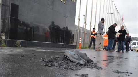 İş Güvenliği Konferansına Lastik Ayakkabılı Protesto
