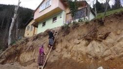 Evlerine Ahşap Merdivenle Girip Çıkıyorlar