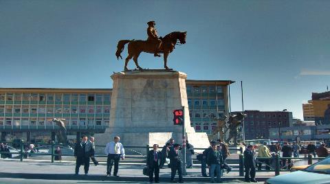Ankara'nın Tarihi Meydanı Tehdit Altında!