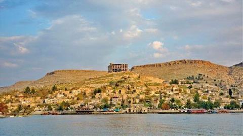 Halfeti'de Otel İnşaatı Tepkisi