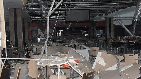 Alışveriş Merkezinde Asma Tavan Düştü
