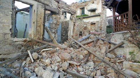 Foça'da 350 Yıllık Konak Yıkıldı