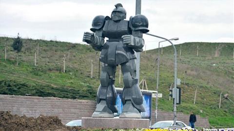 """Ankara'da """"Robot"""" Polemiği"""