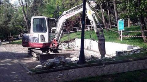 Abbasağa Parkı'nda İş Makinesi Hareketliliği