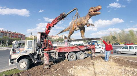 'Dinozorla Oynama Kente Metro Yap'