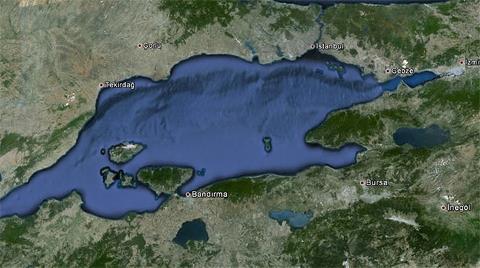 """Marmara Denizi'nde Tsunami Riski Var"""