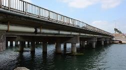 Bu Köprü Her An Çökebilir!