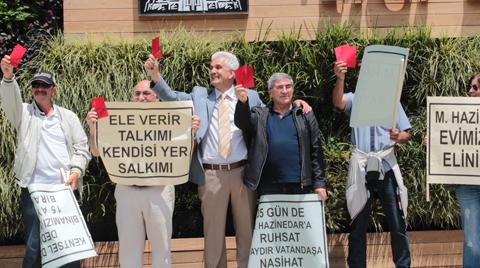 """Beşiktaşlı Vatandaşlardan """"Evsiz Kaldık"""" Eylemi"""