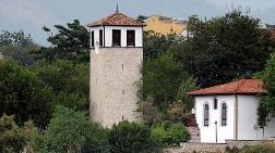Safranbolu'ya Tarihi Saat Kulesi Görünümlü Üst Geçit