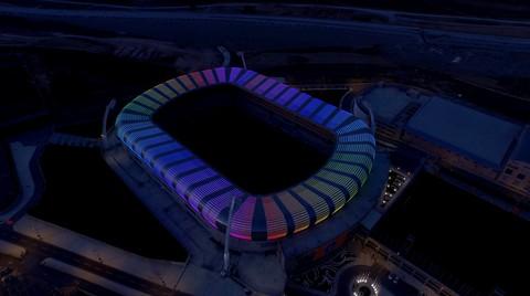 Türkiye'nin İlk Cephe Işıklandırmalı Stadyumuna Fiberli İmzası