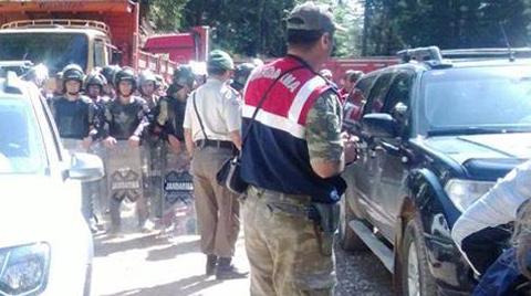 Cerattepe'de Jandarma Vatandaşlara Geçit Vermiyor